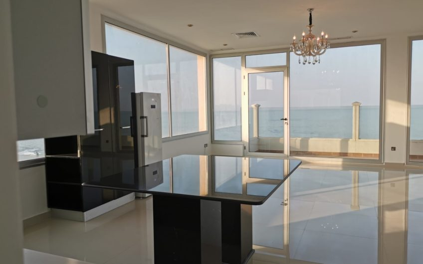 Beautiful Sea view Pent house Semi furnished 3bedrooms by the Beach for rent in Kuwait!!!