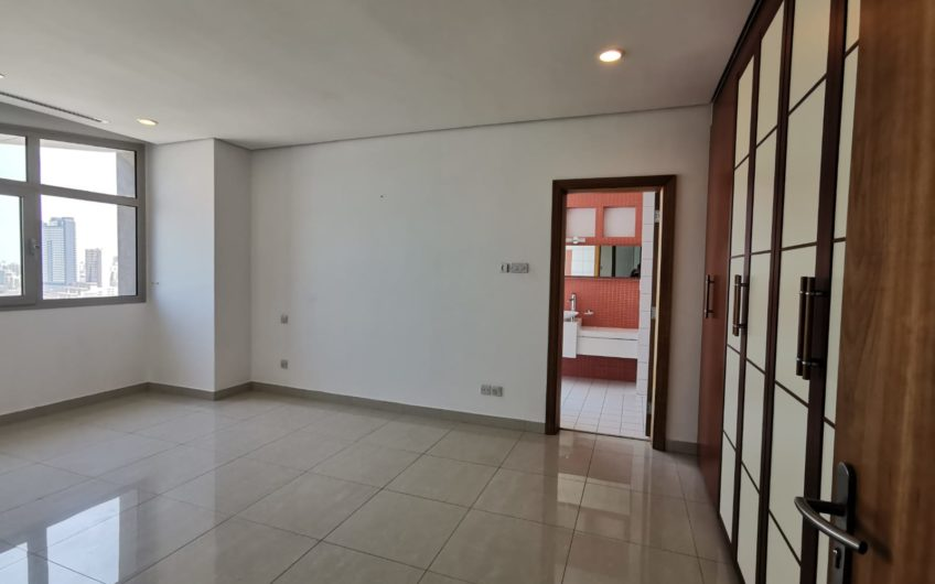 Sea View Corniche 3 Bed Floor For Rent in Kuwait